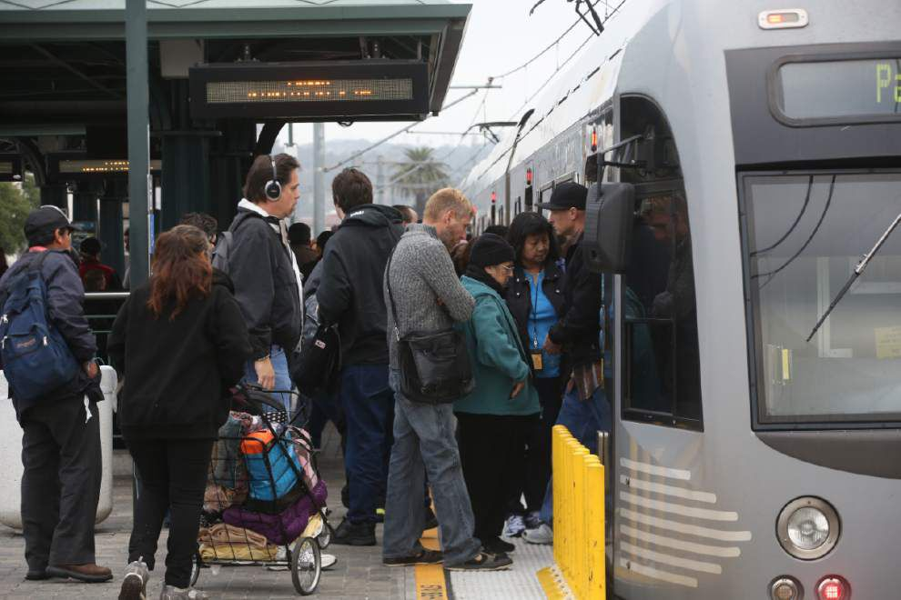 Americans riding public transit in record numbers _lowres