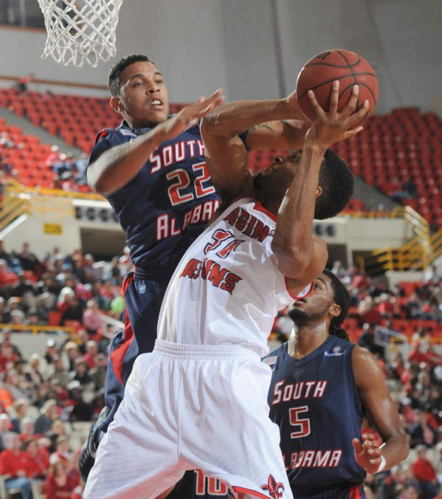 South Alabama turns up defensive heat on Cajuns _lowres