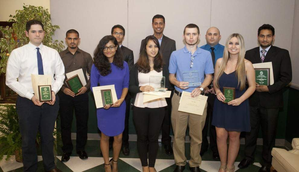 SLU students honored for academics _lowres