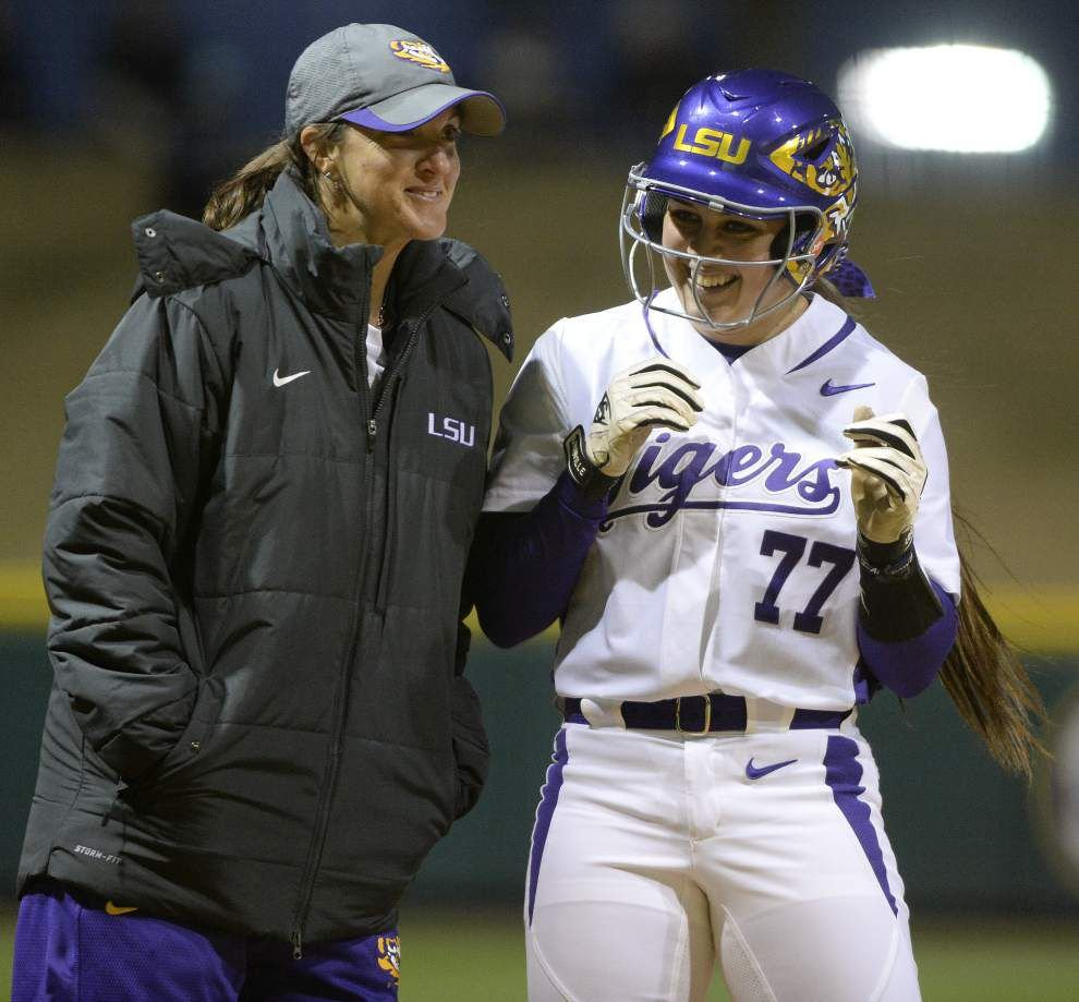 LSU to visit Florida in battle of softball unbeatens _lowres