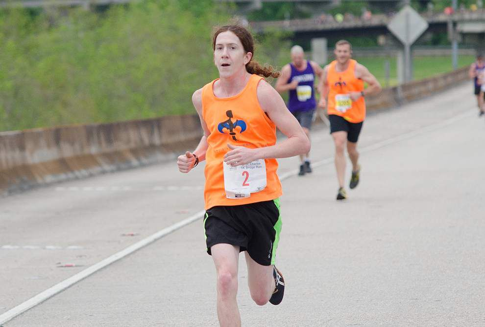 Defending champ Ian Carr tops Huey P. Bridge Run field _lowres