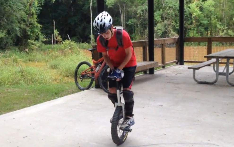 Central teen is a wonder on one wheel _lowres