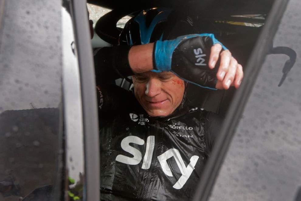 Chris Froome's wrist injury forces him to drop out of Tour de France _lowres