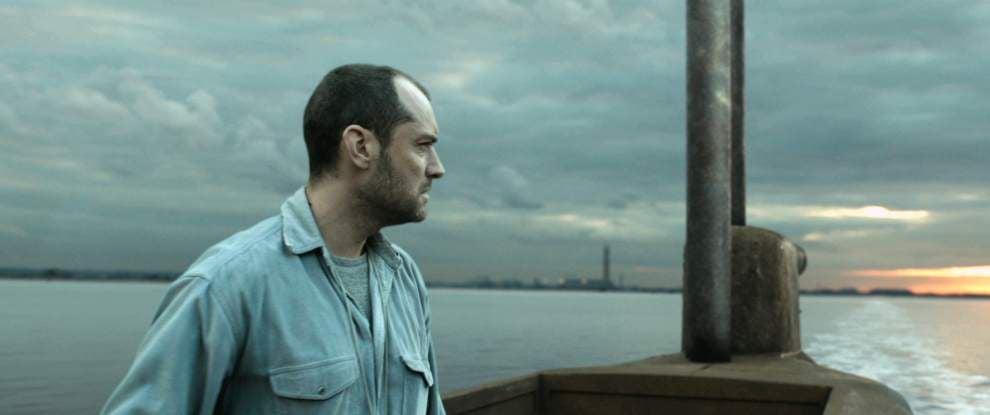 Leaky plot sinks Jude Law's new submarine drama 'Black Sea' _lowres