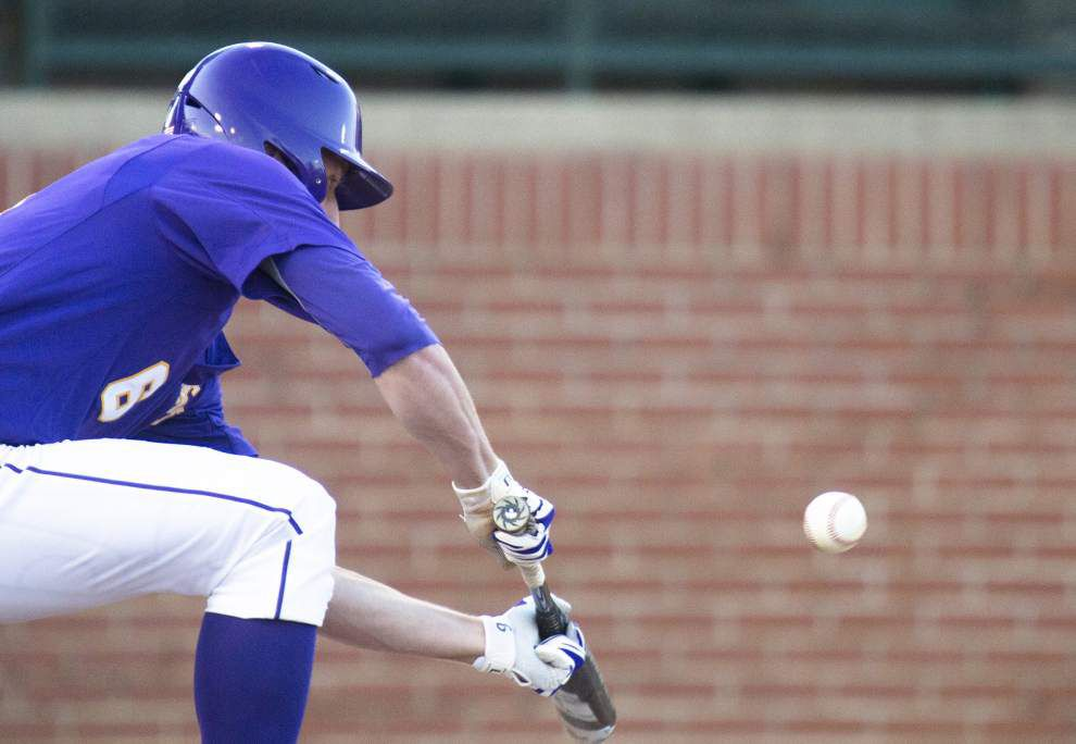 LSU holds steady in the national baseball polls _lowres