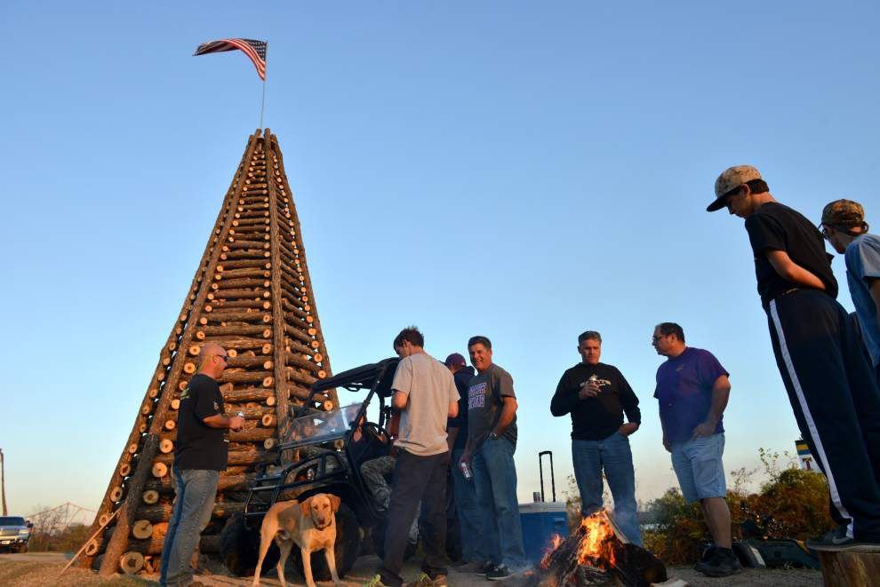St. James Parish's weekend bonfire festival just a tune-up for Christmas Eve _lowres