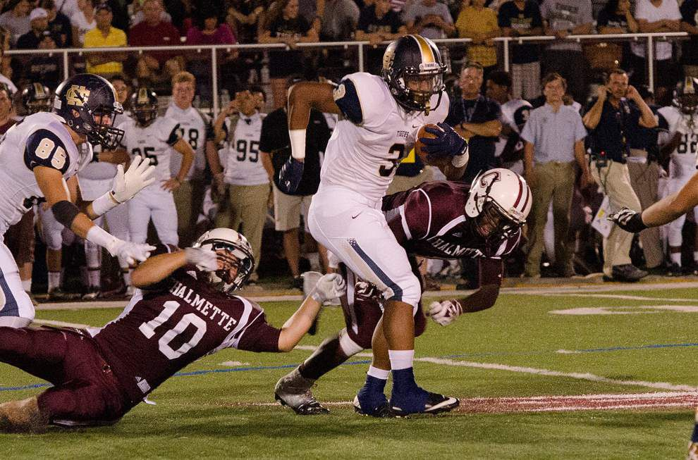 Holy Cross holds off Chalmette rally _lowres
