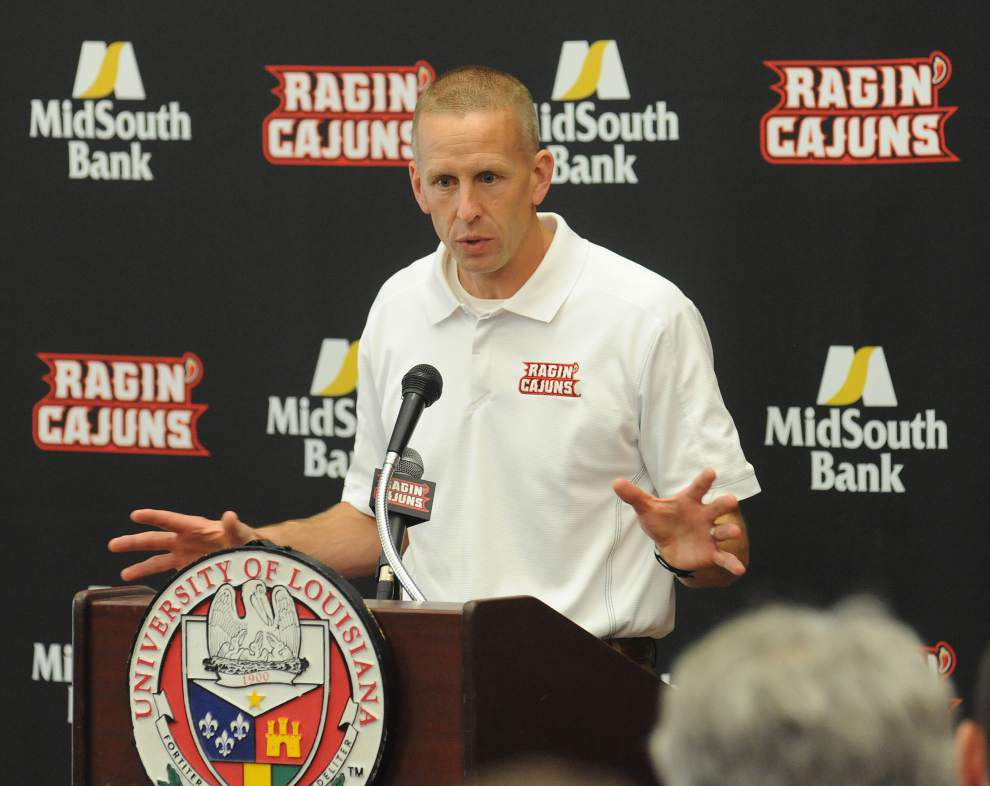 NOTEBOOK: Developing quarterback depth a priority for Cajuns this year _lowres