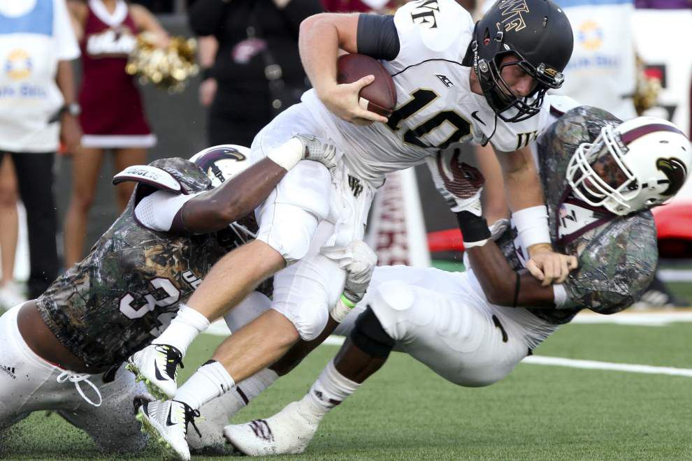 Pete Thomas, Warhawks edge Wake Forest _lowres
