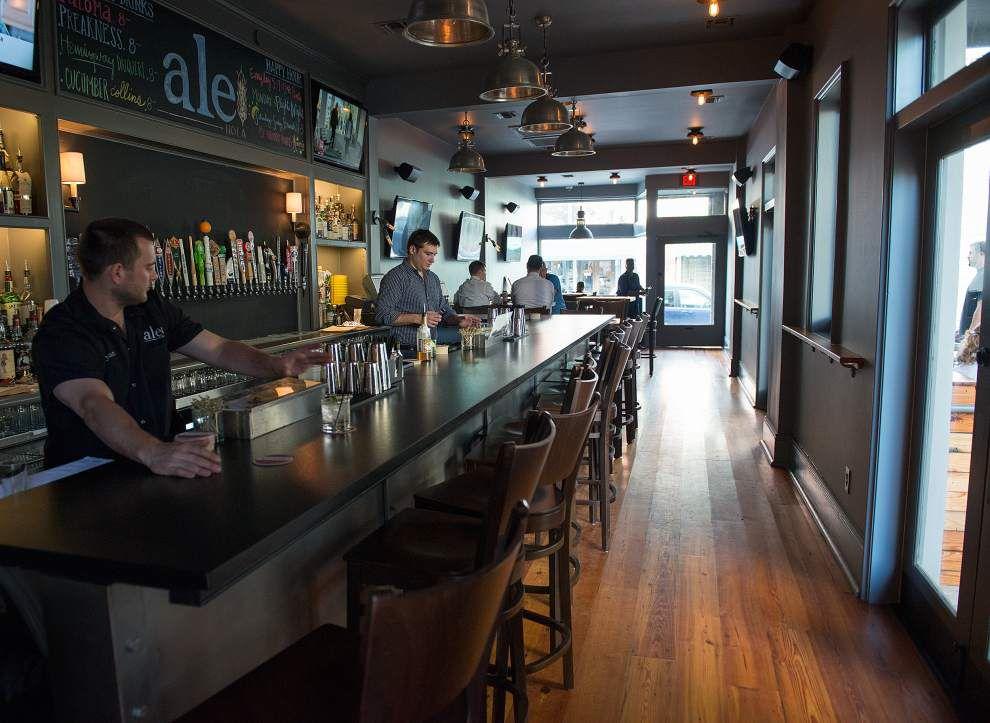 Beer pub Ale joins wine spot Oak in Riverbend _lowres
