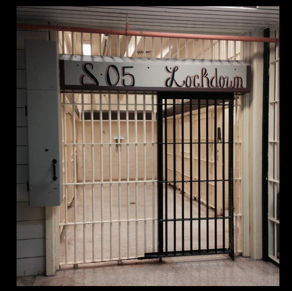 Petition circulates asking Metro Council not to privatize EBR Parish Prison _lowres