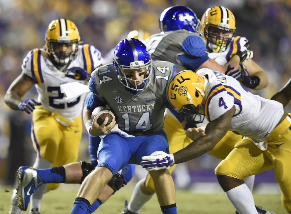 Players-only meeting, defensive changes lead to LSU's three-game win streak _lowres