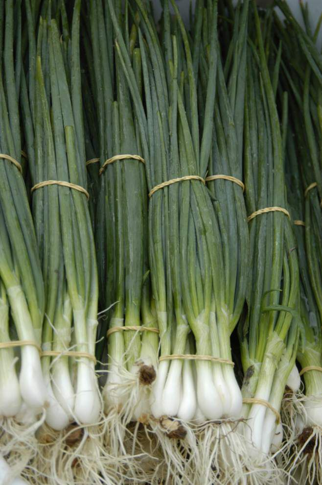 The Farmers Market: Arrival of green onions a sure sign of spring _lowres