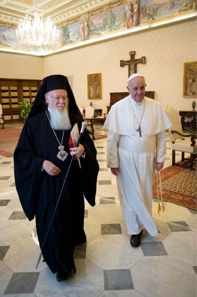 Pope's Jerusalem mission has varied aims _lowres