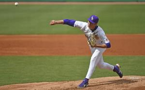 Why Paul Mainieri says LSU will 'gamble' with bullpen construction against South Carolina