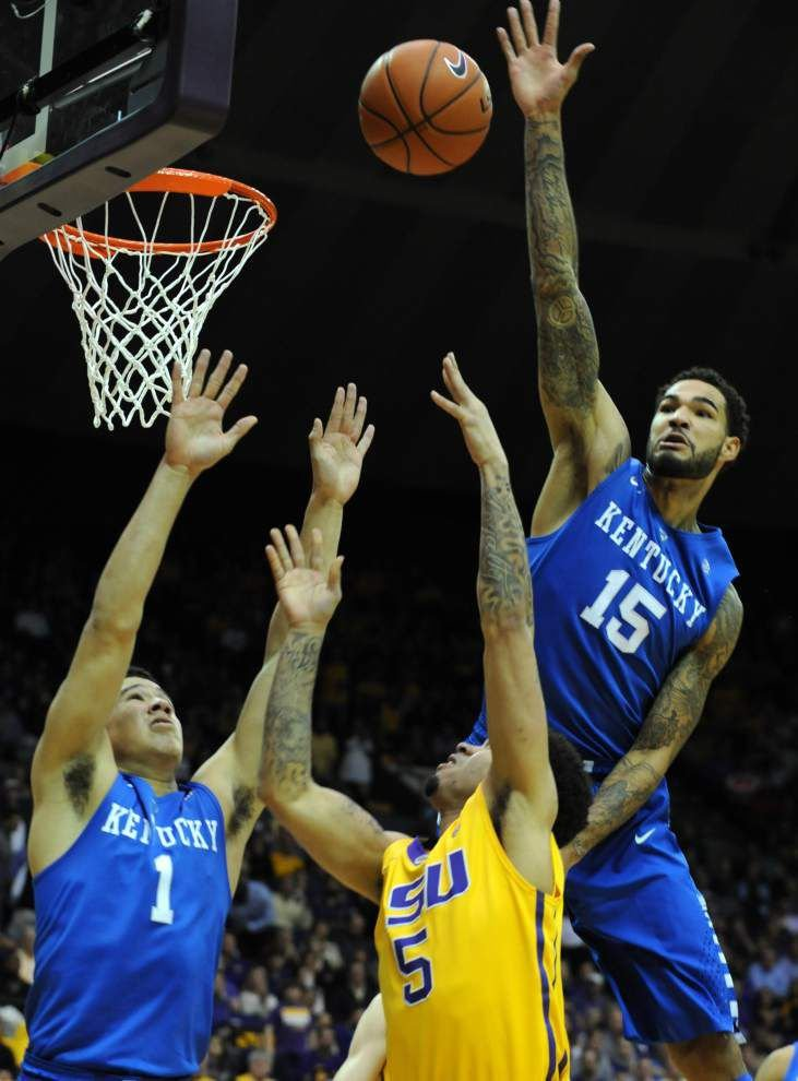No. 1 Kentucky holds off LSU's furious upset bid _lowres
