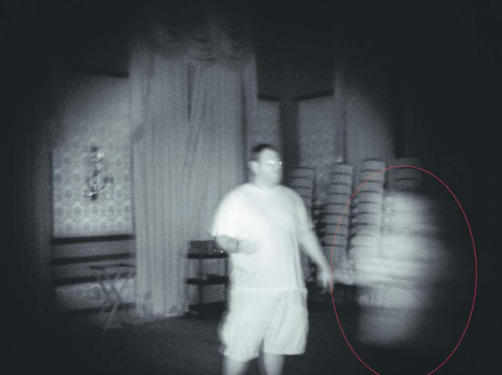 French Quarter hotel hosts paranormal party, complete with séance _lowres