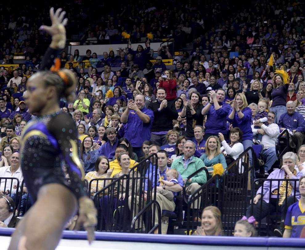 Record crowd sees record score as LSU gymnasts topple Minnesota _lowres