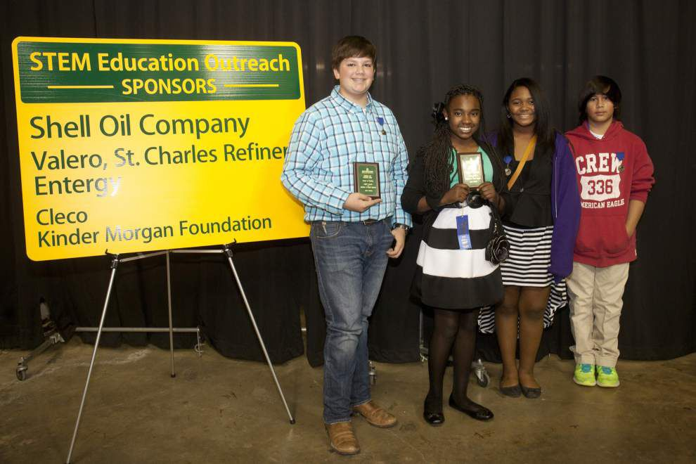 Science fair winners move on to state level _lowres