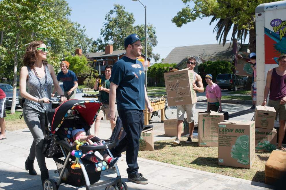 Review: Rogen, Efron wage comic war in 'Neighbors' _lowres