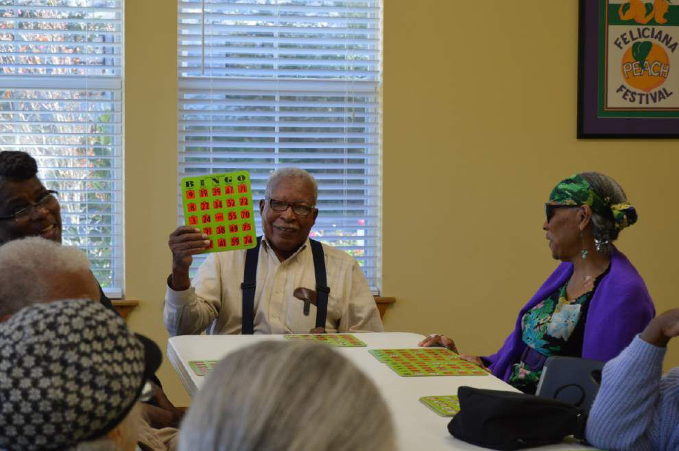 Council on Aging members win big at bingo _lowres