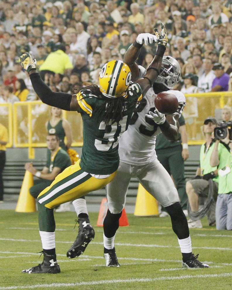 NFL notebook: Rams quarterback Sam Bradford reinjures knee _lowres