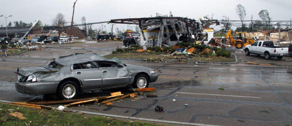 Tornadoes cause damage, injuries in Miss., Ala. _lowres