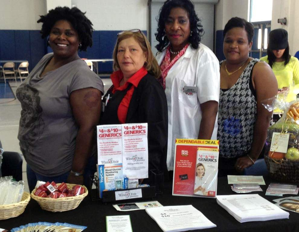 West Bank Spotlight: Renew Woodmere event helps Harvey residents stay healthy and save money _lowres