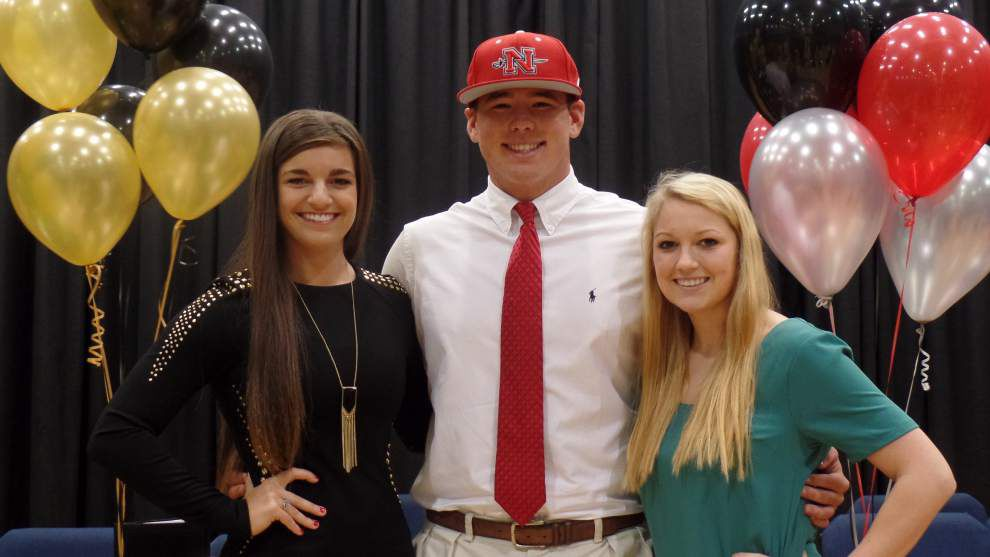 Parkview seniors sign to play sports in college _lowres