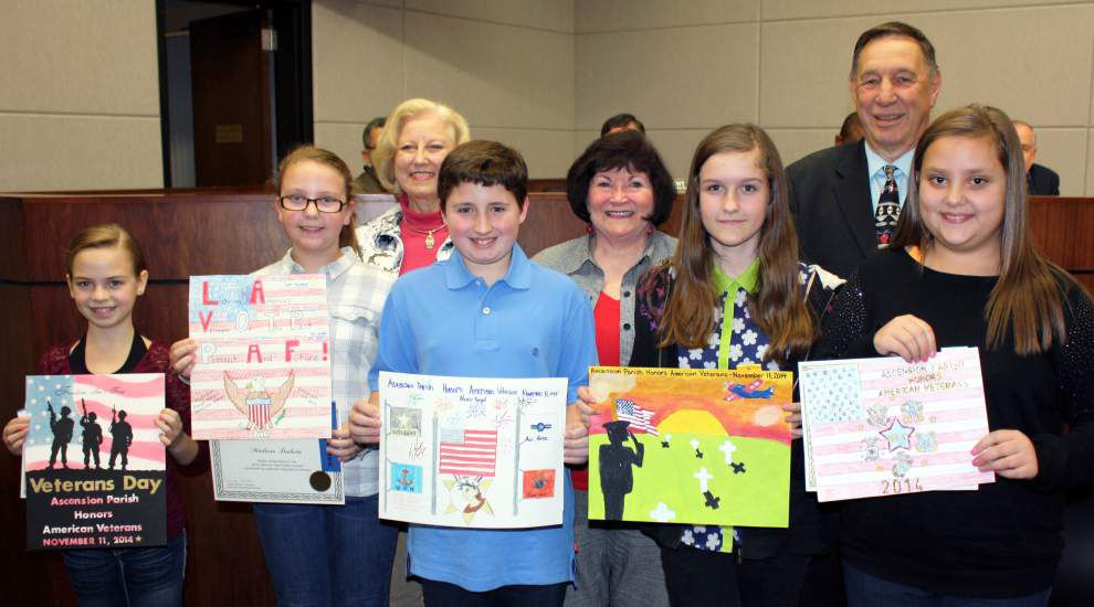 Poster-makers awarded for Veterans Day efforts _lowres