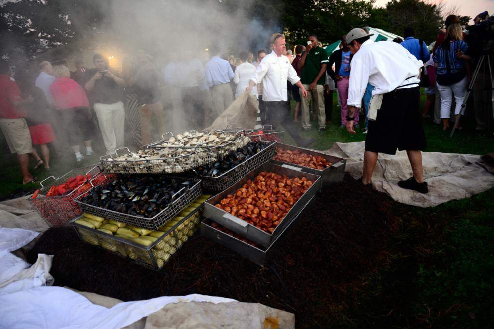Clambake kicks off AAC gathering for Wave _lowres
