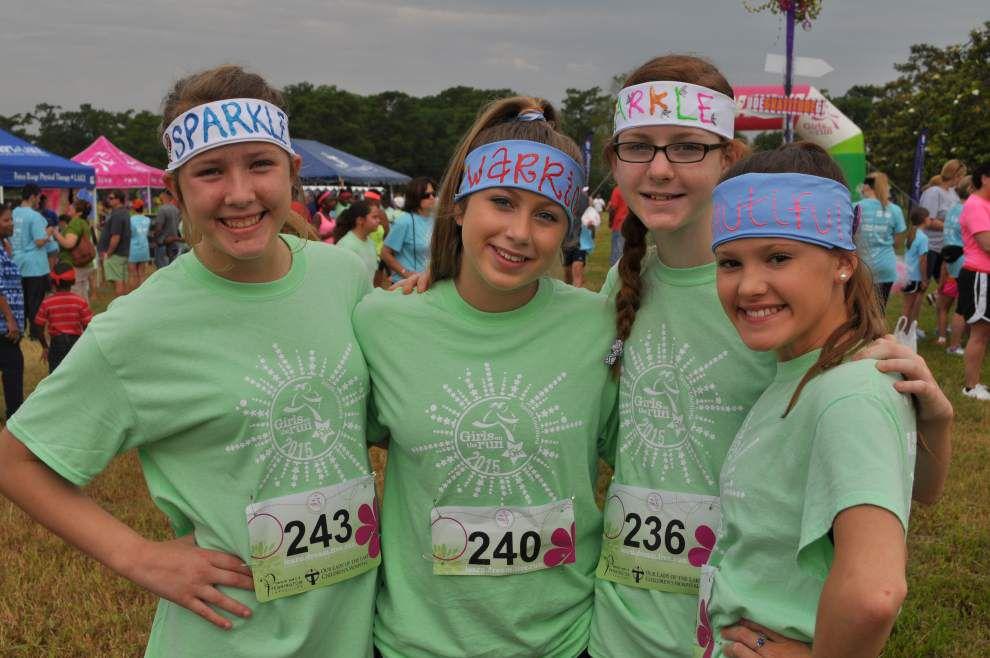 Prairieville girls get ready to run _lowres