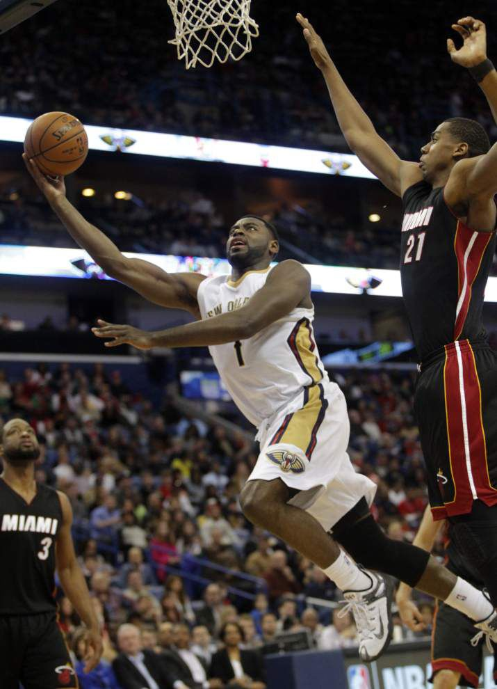 Alexis Ajinca's huge night lifts Pelicans past Heat 104-102 _lowres