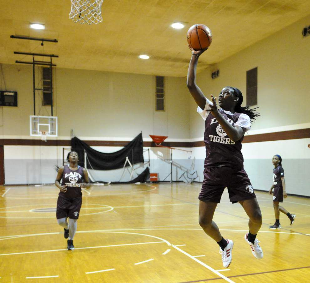 Breaux Bridge guards Jasmine Leblanc, Caitlin Davis key cogs in 22-3 record _lowres