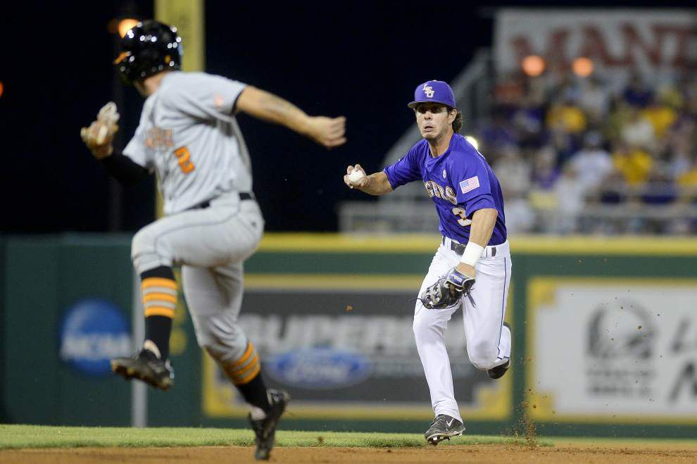 LSU baseball on deck for Sunday, April 27 _lowres