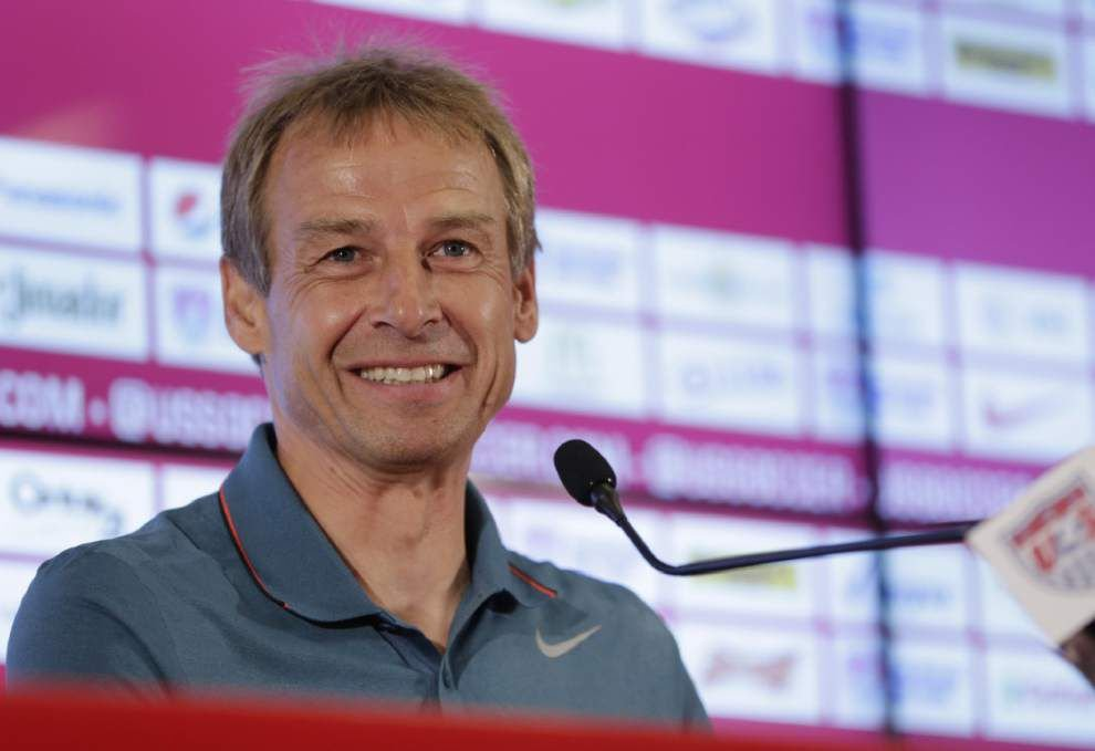 Coach Jurgen Klinsmann says U.S. players need to do more _lowres
