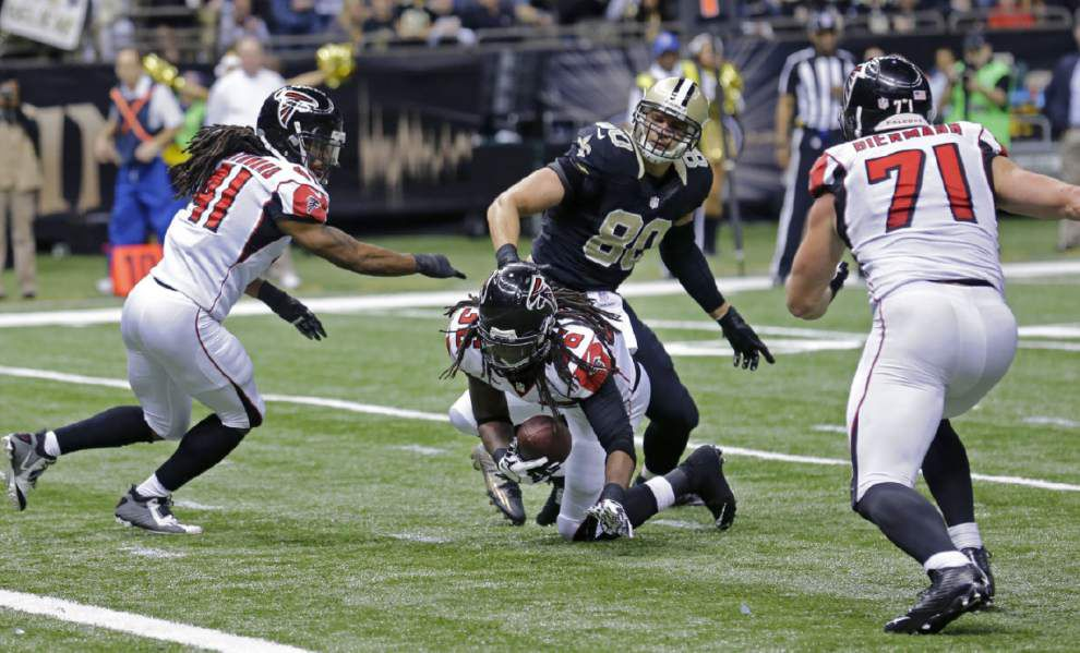 Graham fumble leads to loss of potential touchdown _lowres
