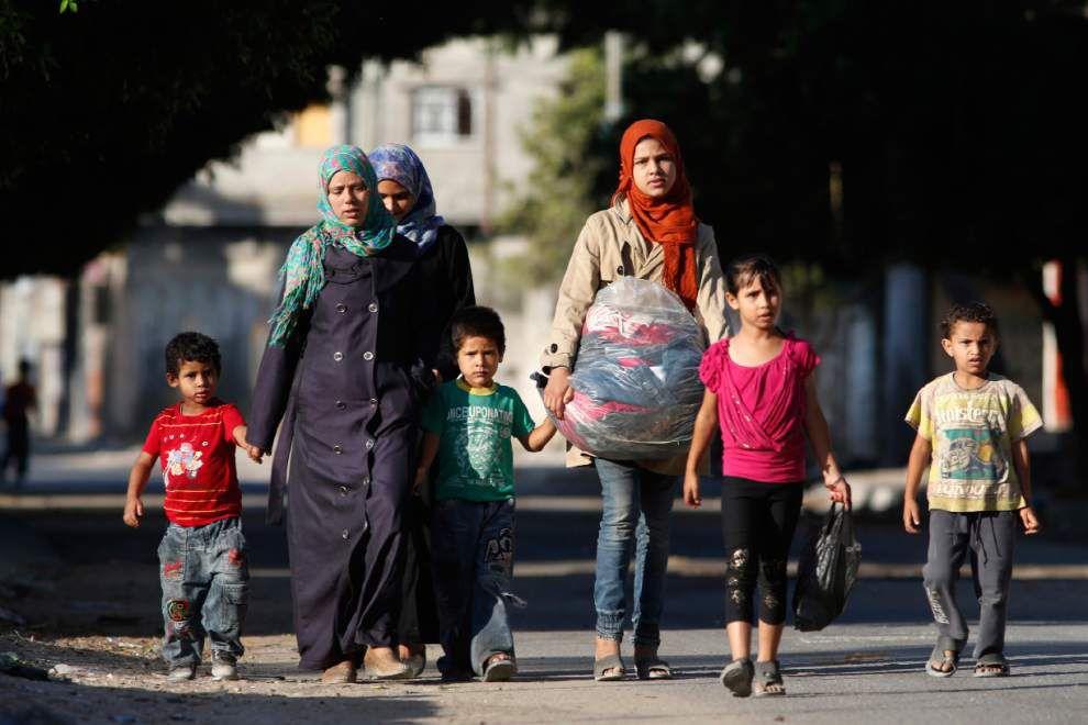 Israel targets homes of senior Hamas leaders _lowres