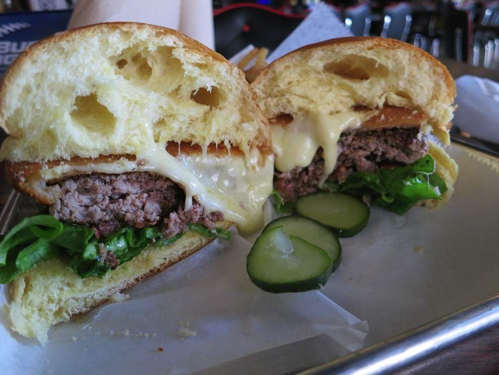 Dining Notes: There's a burger battle brewing _lowres