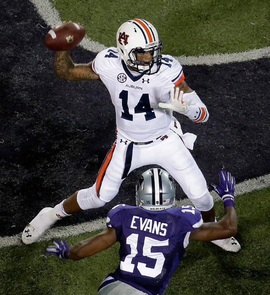 Auburn takes advantage of Kansas State's many mistakes _lowres