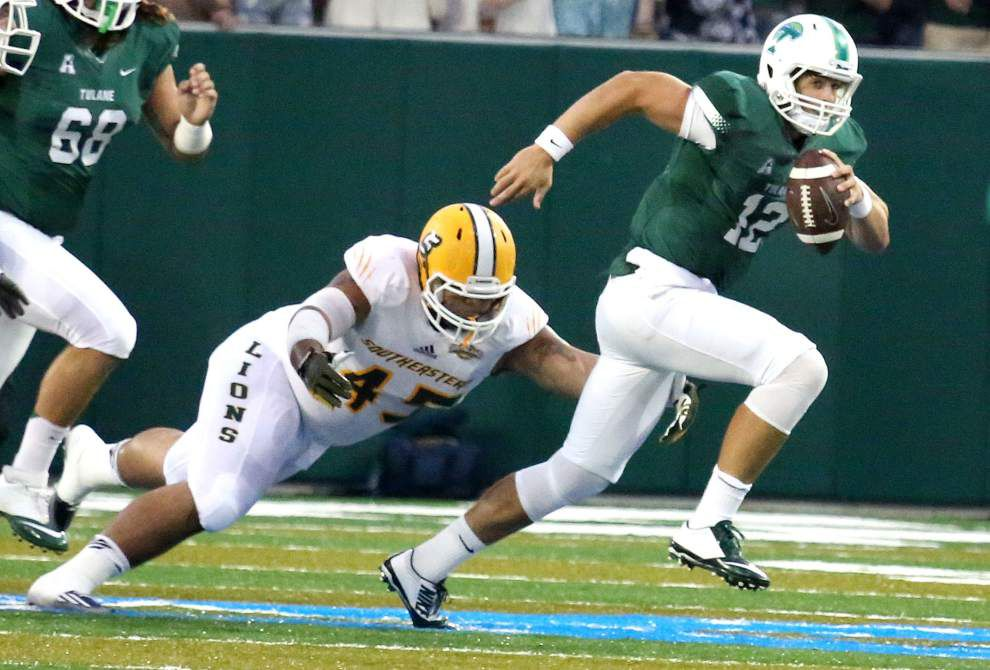 Tulane quarterback Tanner Lee prepares to return to action _lowres
