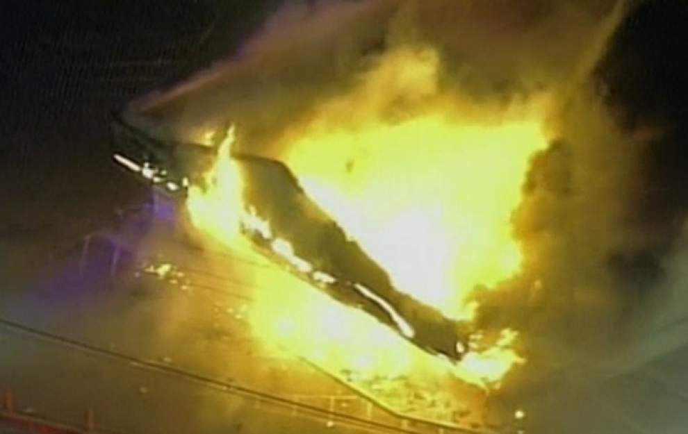 Chaos hits Ferguson after grand jury decision _lowres