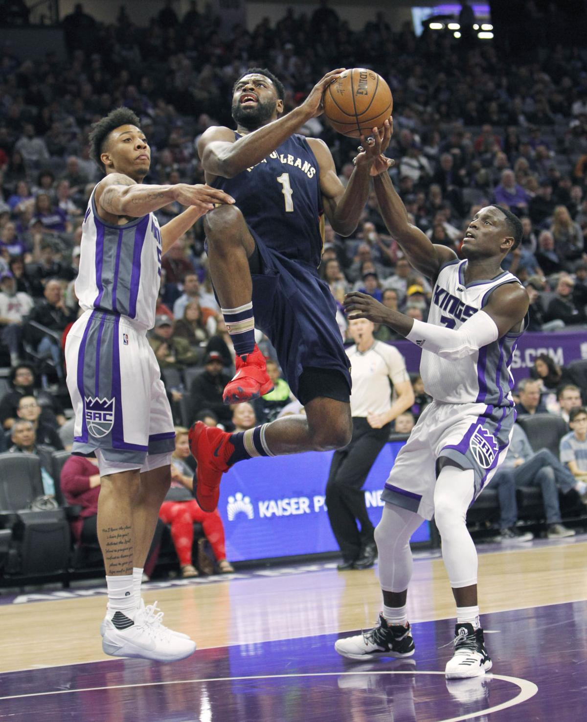 Anthony davis scores 32 as pelicans lose to sacramento for Anthony s italian cuisine sacramento