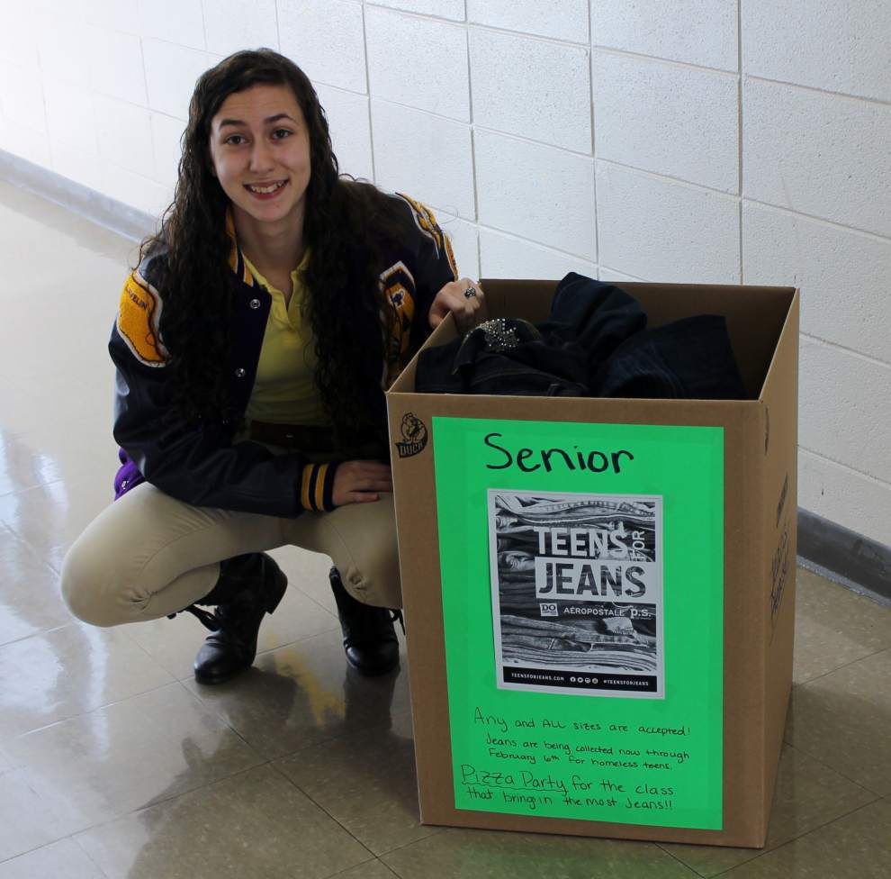 High school student starts clothing drive _lowres