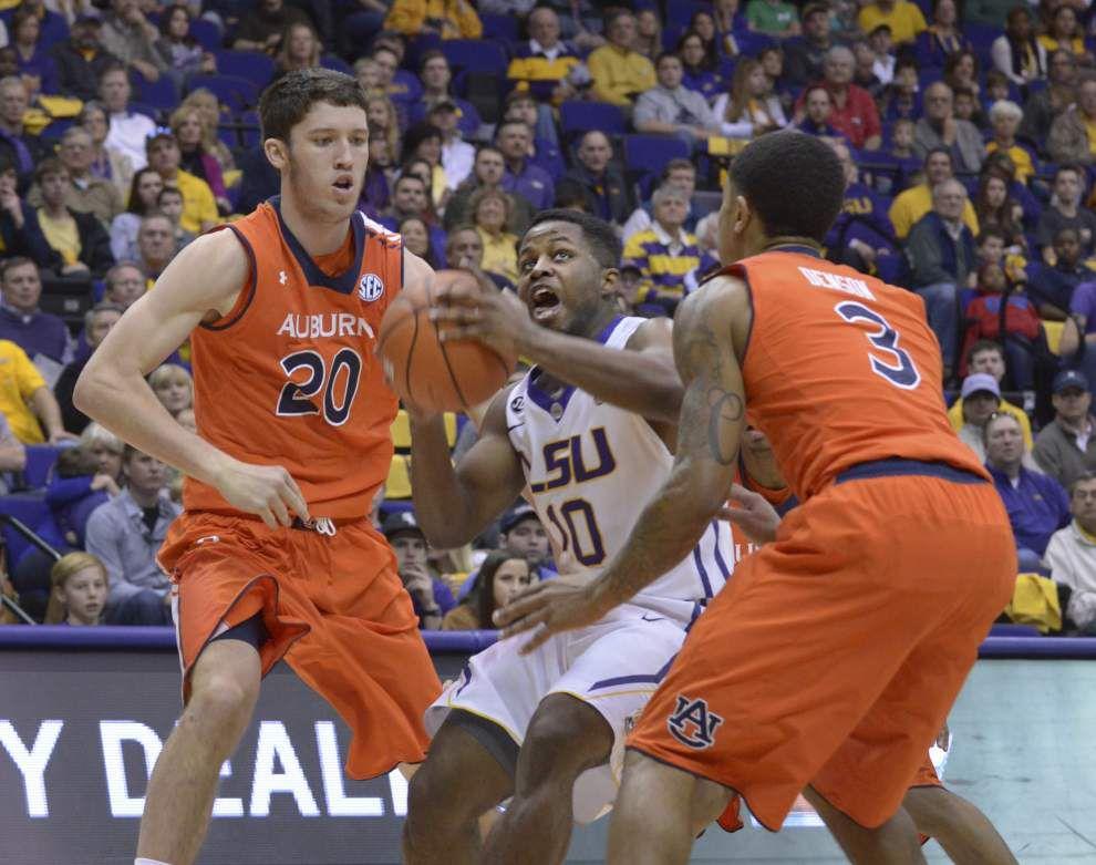 Second-half surge lifts LSU men past Auburn _lowres