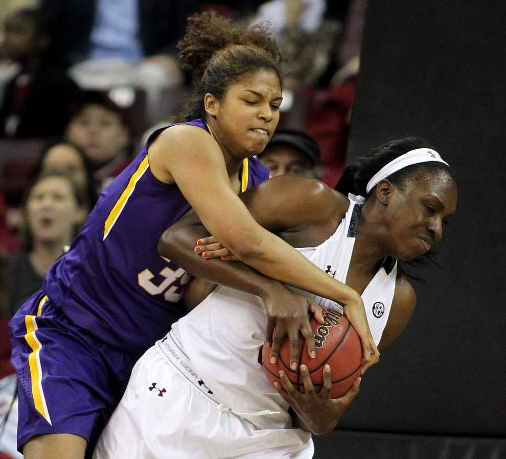 No. 1 South Carolina run over Lady Tigers 86-62 in road loss _lowres