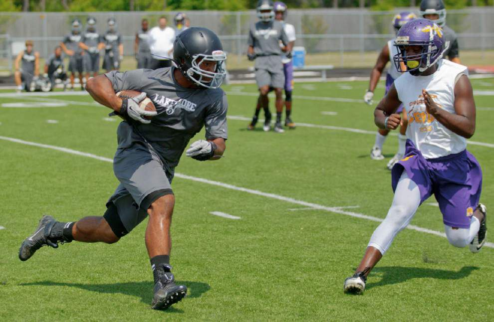 More football players making early commitments _lowres