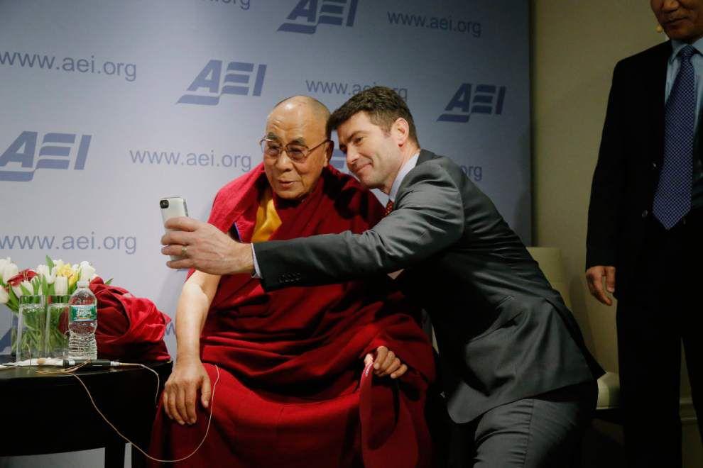 Obama meets with Dalai Lama; visit rankles China _lowres