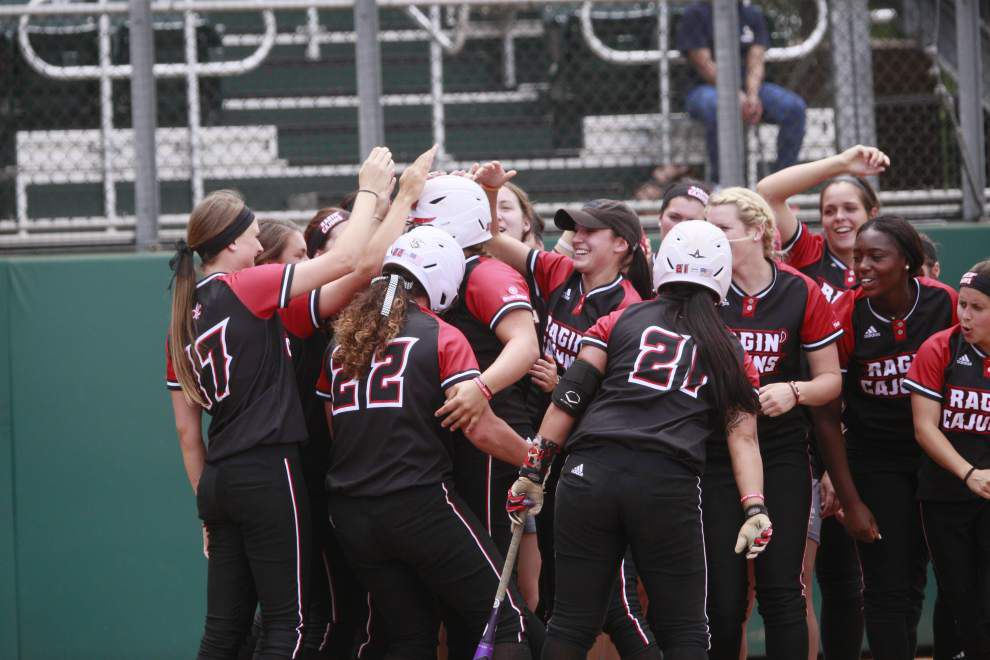 Ragin' Cajuns softball team makes quick work of Georgia State at Sun Belt Conference tournament _lowres