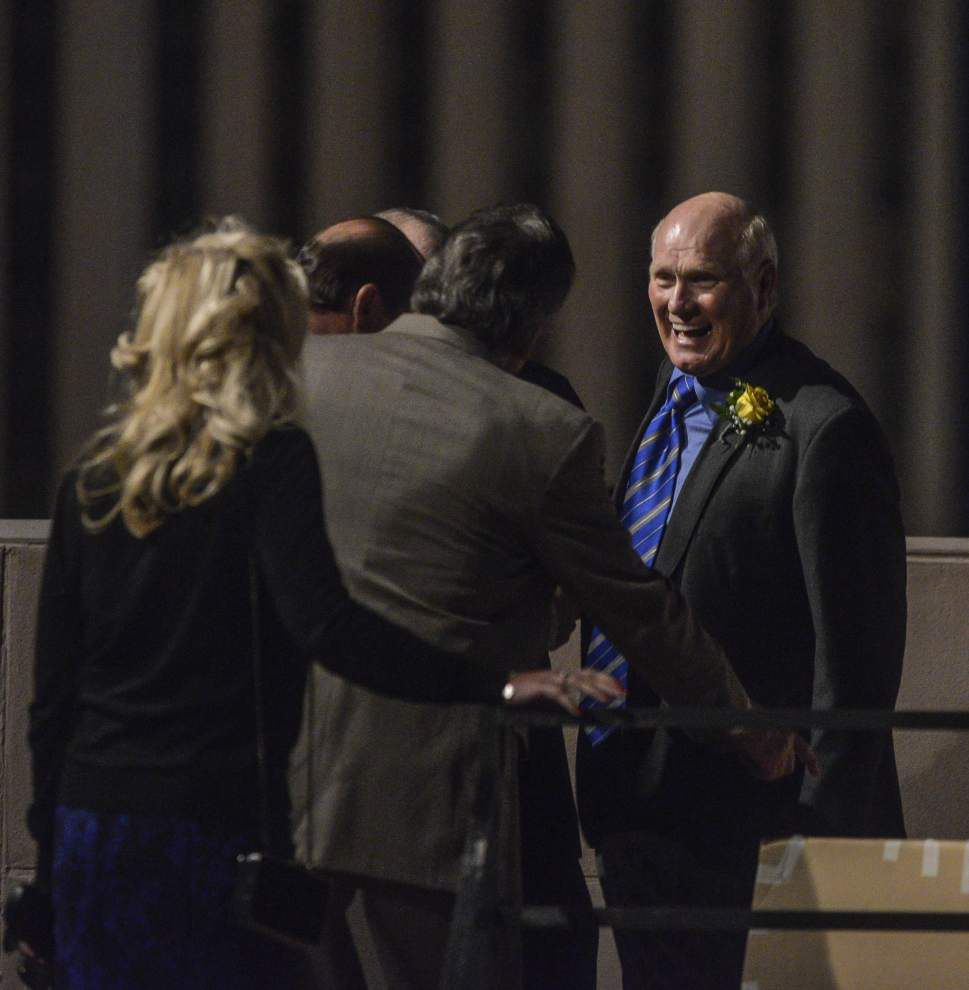 Terry Bradshaw, Mark Hudspeth, Tim Detillier honored at banquet _lowres